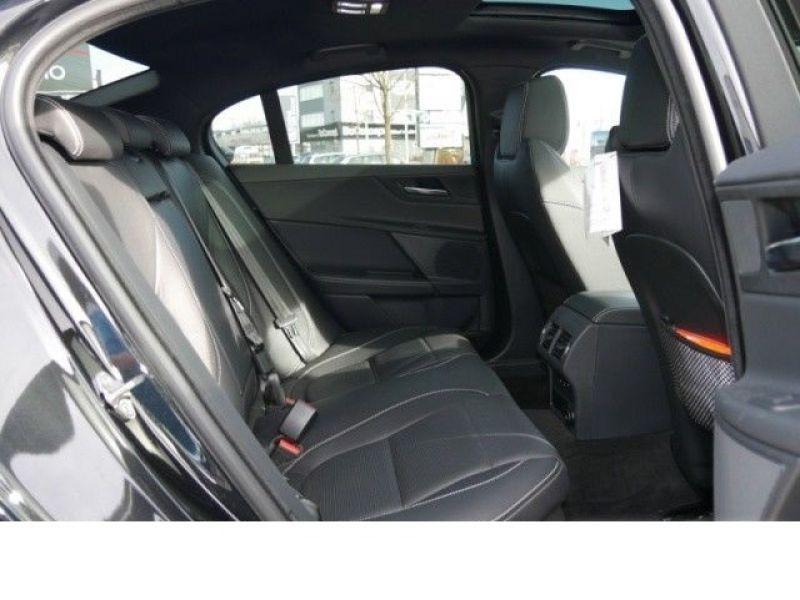 Jaguar XE 2.0 200 R-Sport Noir occasion à Beaupuy - photo n°5