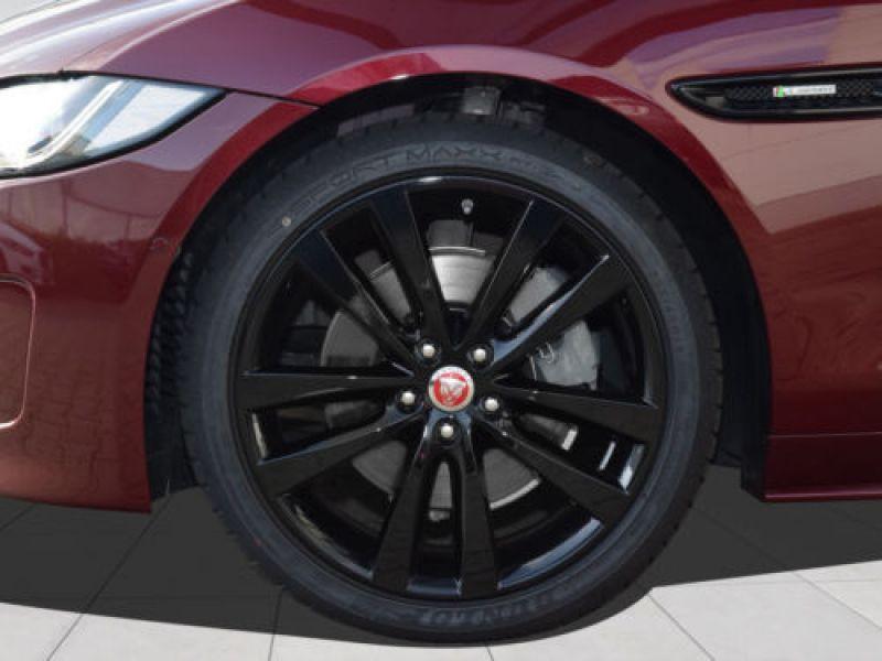 Jaguar XE 2.0 240 R-Sport Rouge occasion à Beaupuy - photo n°9