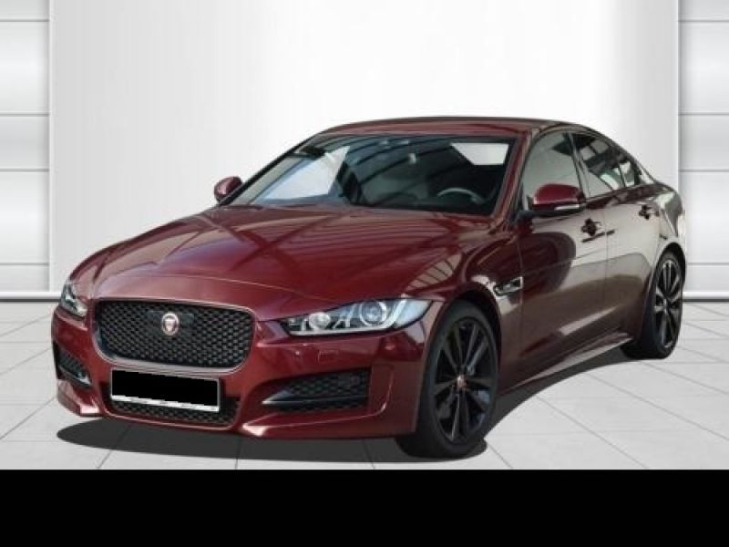 Jaguar XE 2.0 240 R-Sport Rouge occasion à Beaupuy