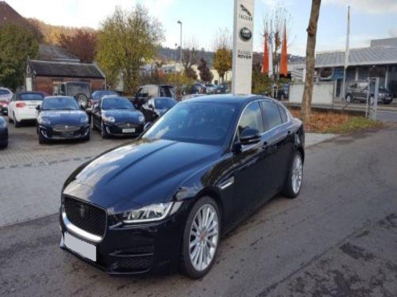 Jaguar XE 2.0 240 Noir occasion à Beaupuy