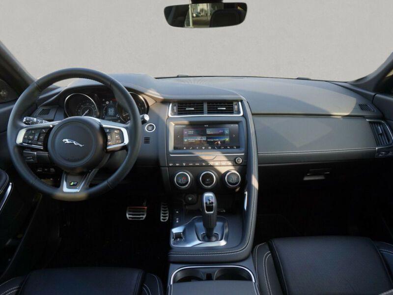 Jaguar XE 2.0 AWD 250 Gris occasion à Beaupuy - photo n°2