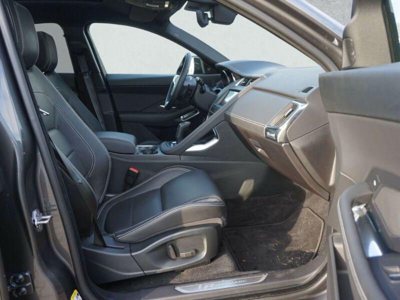 Jaguar XE 2.0 AWD 250 Gris occasion à Beaupuy - photo n°4