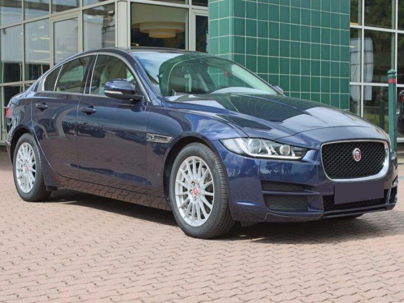 Jaguar XE 2.0 D 163 Bleu occasion à Beaupuy