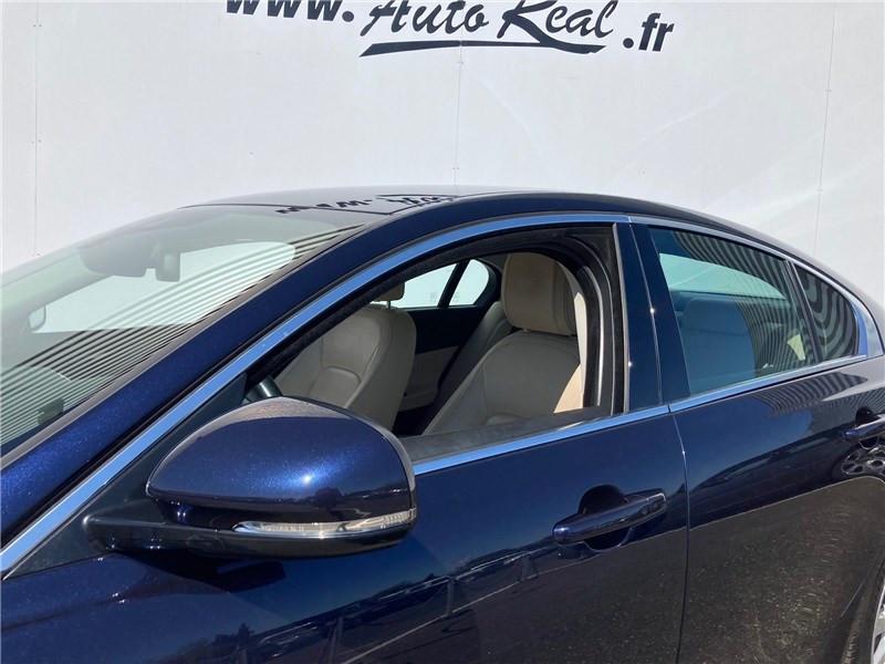 Jaguar XE 2.0 D - 180 CH BVA Prestige Bleu occasion à MERIGNAC - photo n°4