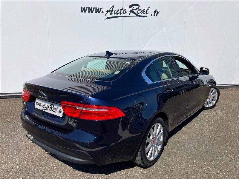 Jaguar XE 2.0 D - 180 CH BVA Prestige Bleu occasion à MERIGNAC - photo n°9