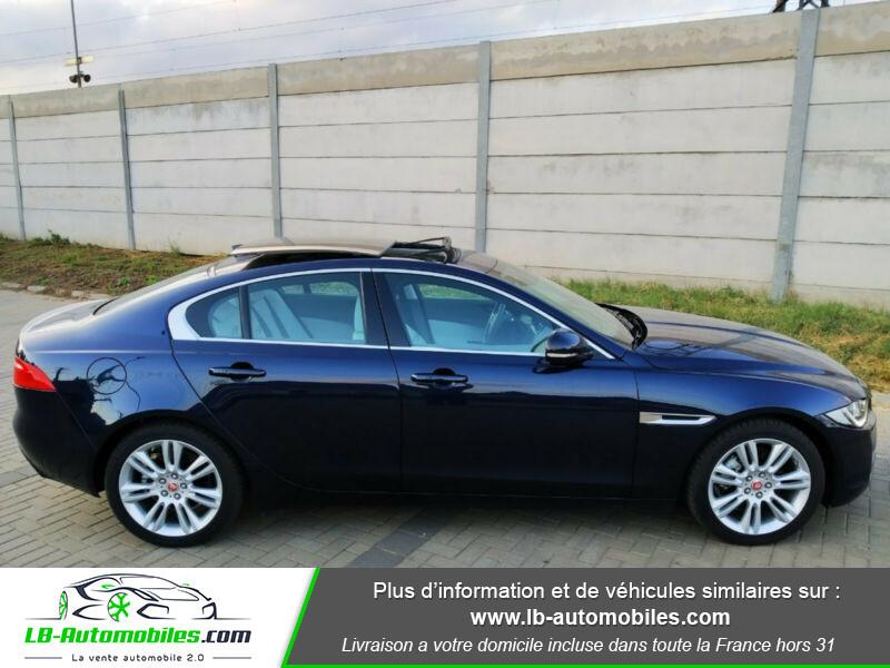 Jaguar XE 2.0 D 180 ch Bleu occasion à Beaupuy - photo n°9