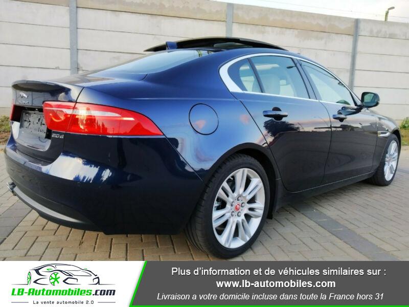 Jaguar XE 2.0 D 180 ch Bleu occasion à Beaupuy - photo n°8