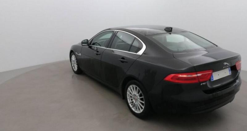 Jaguar XE 2.0 D 180 PRESTIGE BVA Noir occasion à CHANAS - photo n°3