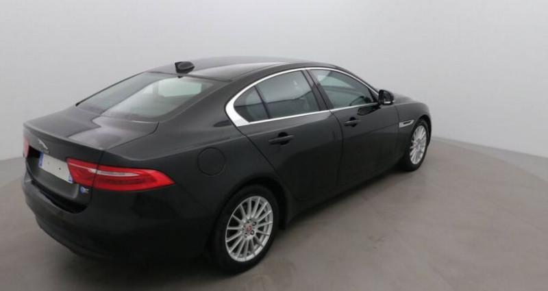 Jaguar XE 2.0 D 180 PRESTIGE BVA Noir occasion à CHANAS - photo n°4