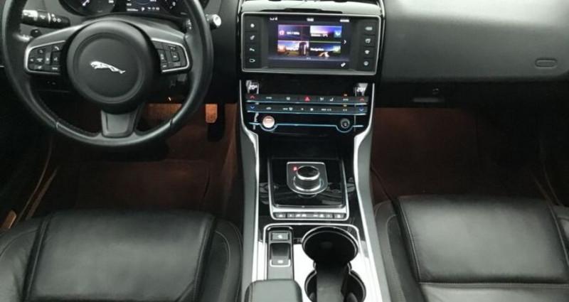 Jaguar XE 2.0 D 180 PRESTIGE BVA Noir occasion à CHANAS - photo n°5