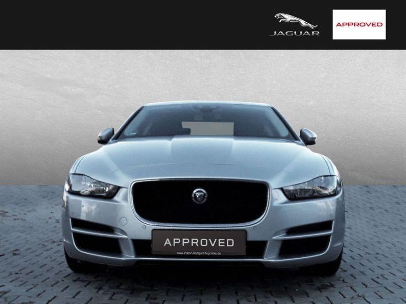 Jaguar XE 2.0 D 180 Argent occasion à Beaupuy - photo n°9