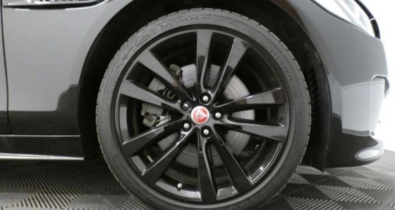 Jaguar XE 2.0 D 240 R-Sport Auto. Noir occasion à Petange - photo n°6