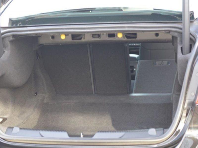 Jaguar XE 2.0 D AWD 180 Noir occasion à Beaupuy - photo n°8