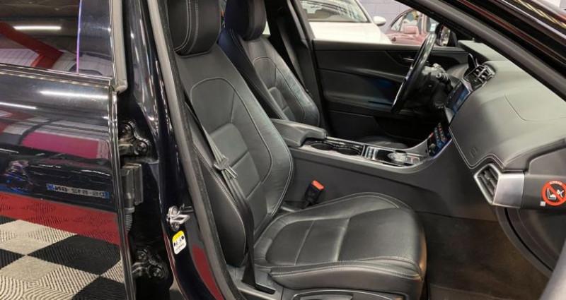 Jaguar XE 2.0 i4 240 TURBO Noir occasion à Brie-Comte-Robert - photo n°4