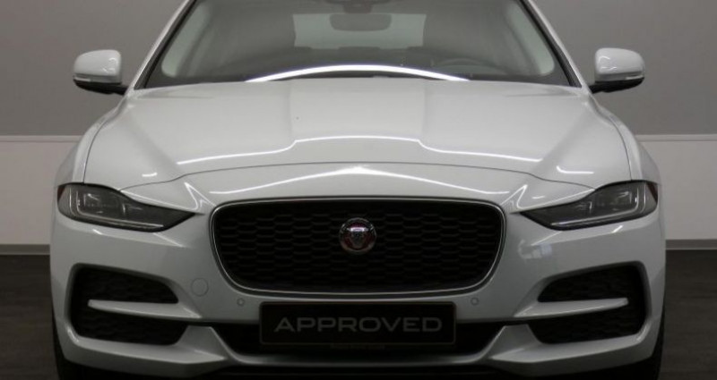 Jaguar XE 20d 180 S Auto. Blanc occasion à Petange - photo n°2