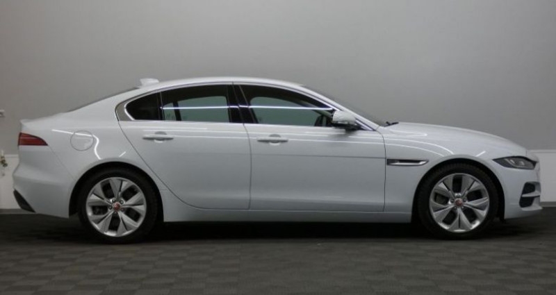 Jaguar XE 20d 180 S Auto. Blanc occasion à Petange - photo n°3