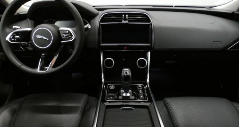 Jaguar XE 20d 180 S Auto. Blanc occasion à Petange - photo n°7