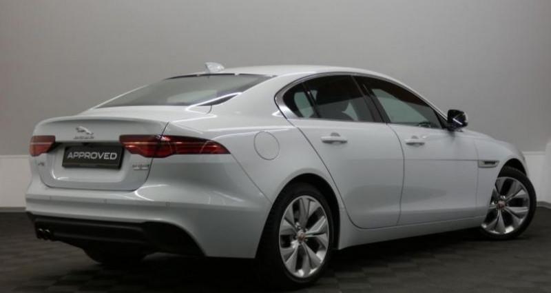 Jaguar XE 20d 180 S Auto. Blanc occasion à Petange - photo n°4