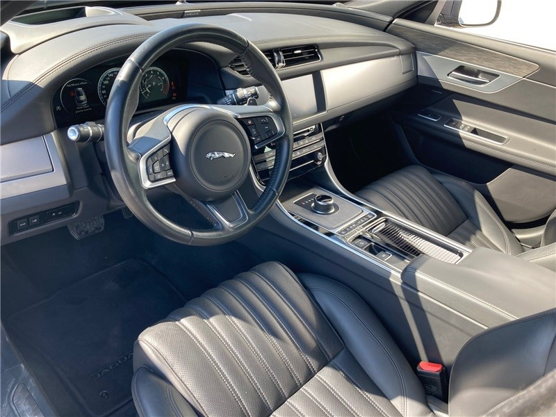 Jaguar XF 2.0 - 250 CH BVA Portfolio Gris occasion à MERIGNAC - photo n°18