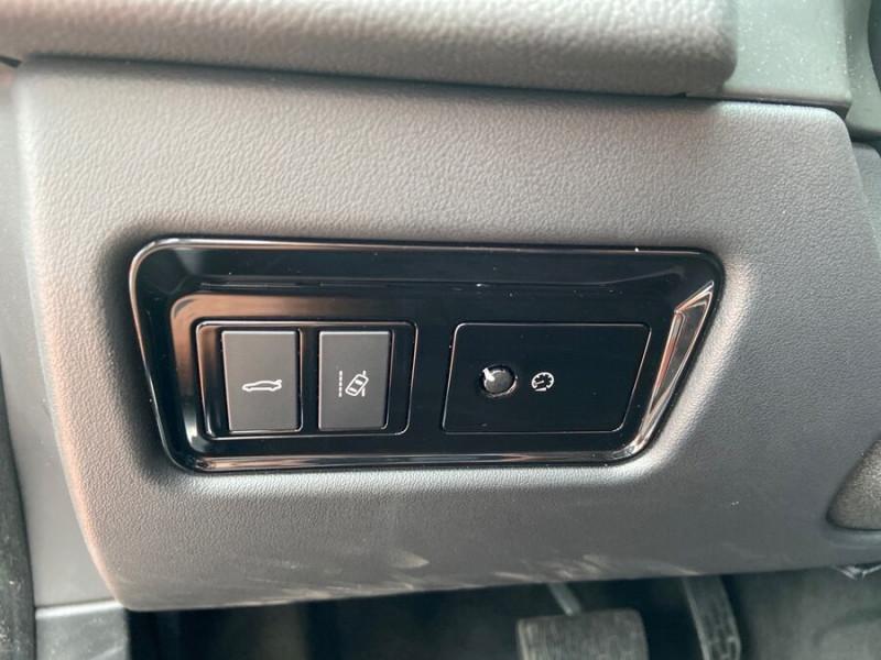 Jaguar XF 2.0 D 180 BVA8 R-SPORT CUIR GPS Caméra  occasion à Toulouse - photo n°19