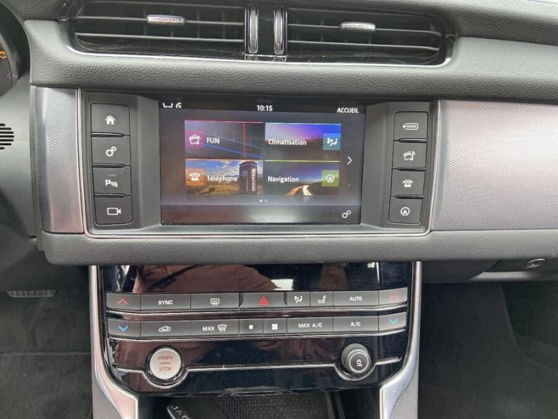 Jaguar XF 2.0 D 180 BVA8 R-SPORT CUIR GPS Caméra  occasion à Toulouse - photo n°15