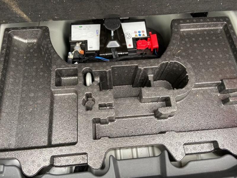 Jaguar XF 2.0 D 180 BVA8 R-SPORT CUIR GPS Caméra  occasion à Toulouse - photo n°8