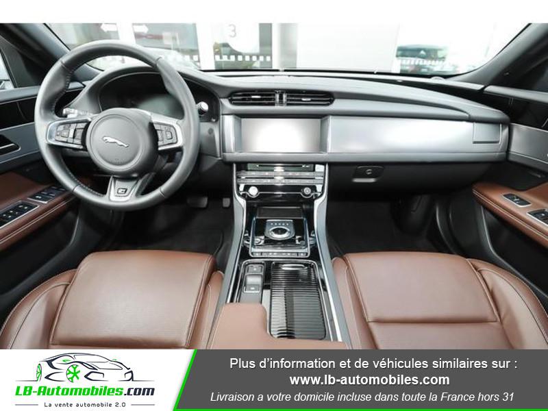 Jaguar XF 2.0 D 180 ch R-Sport Argent occasion à Beaupuy - photo n°2