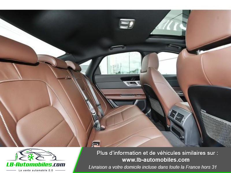 Jaguar XF 2.0 D 180 ch R-Sport Argent occasion à Beaupuy - photo n°5