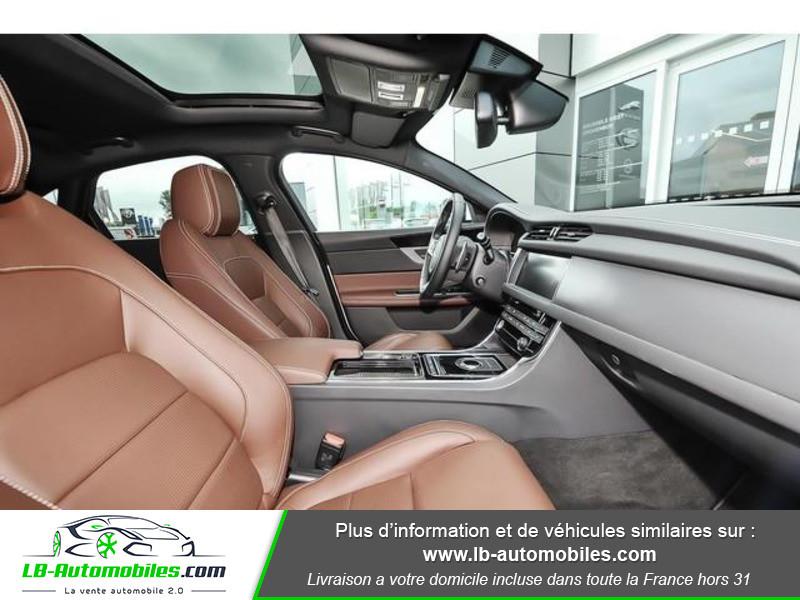 Jaguar XF 2.0 D 180 ch R-Sport Argent occasion à Beaupuy - photo n°4