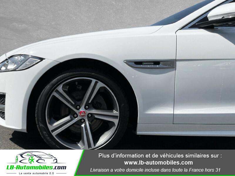 Jaguar XF 2.0 D 180 ch R-Sport Blanc occasion à Beaupuy - photo n°4