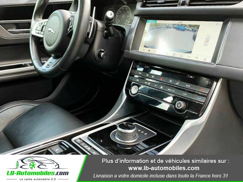 Jaguar XF 2.0 D 180 ch R-Sport Gris occasion à Beaupuy - photo n°11