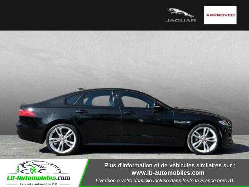 Jaguar XF 2.0 D 180 ch R-Sport Noir occasion à Beaupuy - photo n°4