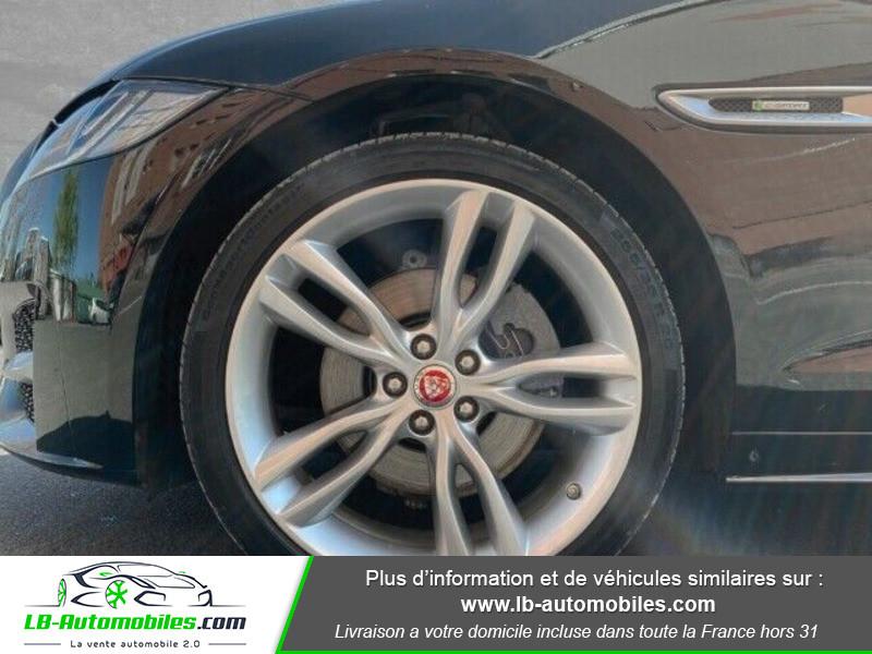 Jaguar XF 2.0 D 180 ch R-Sport Noir occasion à Beaupuy - photo n°5