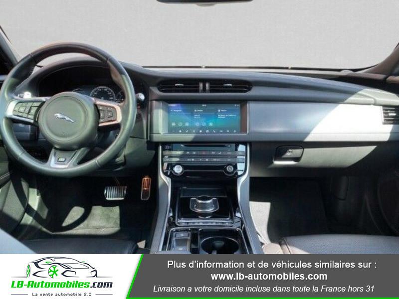 Jaguar XF 2.0 D 180 ch R-Sport Noir occasion à Beaupuy - photo n°2