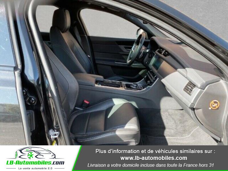 Jaguar XF 2.0 D 180 ch R-Sport Noir occasion à Beaupuy - photo n°8