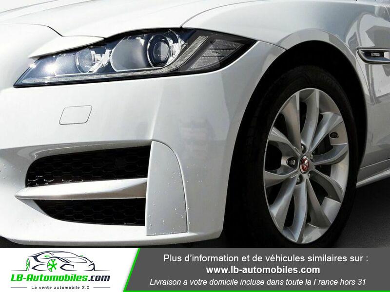 Jaguar XF 2.0 D 180 ch R-Sport Blanc occasion à Beaupuy - photo n°7