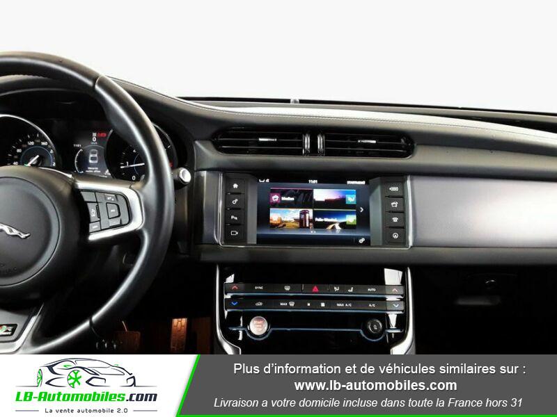 Jaguar XF 2.0 D 180 ch R-Sport Blanc occasion à Beaupuy - photo n°12