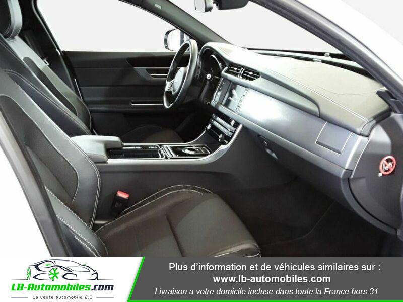 Jaguar XF 2.0 D 180 ch R-Sport Blanc occasion à Beaupuy - photo n°13