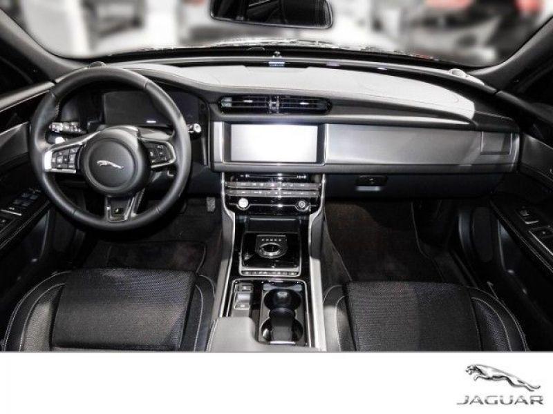 Jaguar XF 2.0 Sportbrake R-Sport 250 CH  occasion à Beaupuy - photo n°2