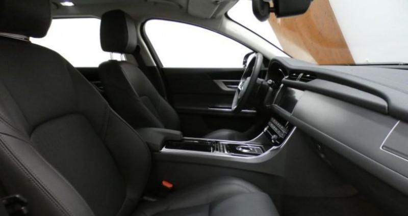 Jaguar XF 20d 180 Prestige Auto. Gris occasion à Petange - photo n°7