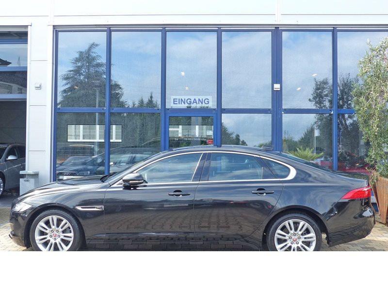 Jaguar XF 20d E-Performance Prestige  occasion à Beaupuy - photo n°8
