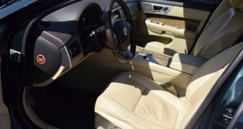 Jaguar XF 3.0 V6 LUXE PREMIUM ESSENCE Vert occasion à VENDARGUES - photo n°6