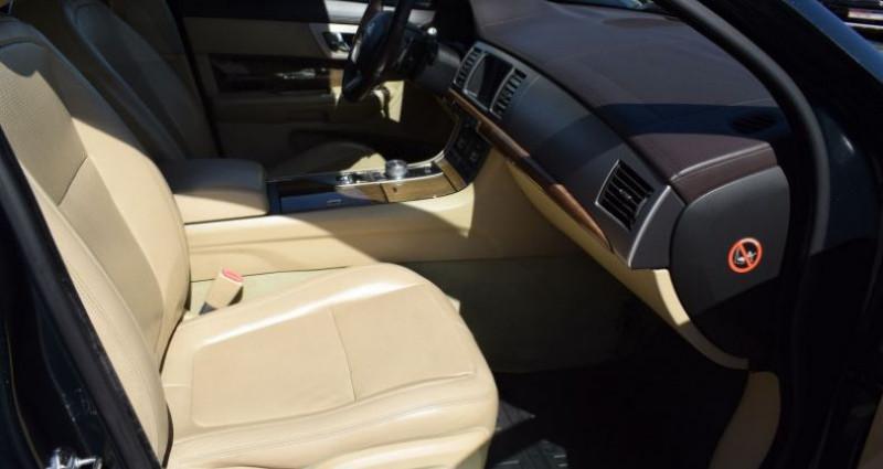Jaguar XF 3.0 V6 LUXE PREMIUM ESSENCE Vert occasion à VENDARGUES - photo n°4