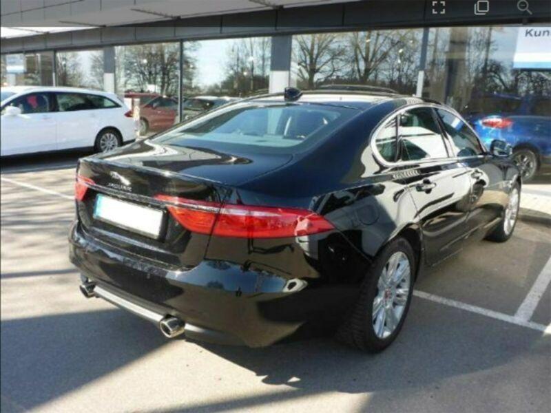 Jaguar XF 30d R-Sport Noir occasion à Beaupuy - photo n°3