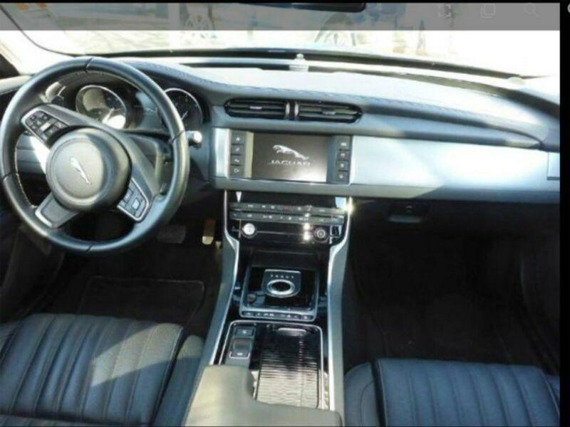 Jaguar XF 30d R-Sport Noir occasion à Beaupuy - photo n°2