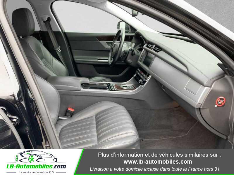 Jaguar XF V6 3.0 D - 300 ch BVA / Portfolio Noir occasion à Beaupuy - photo n°4