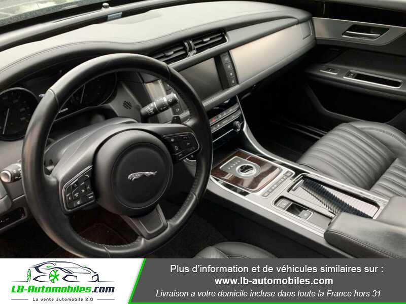 Jaguar XF V6 3.0 D - 300 ch BVA / Portfolio Noir occasion à Beaupuy - photo n°10