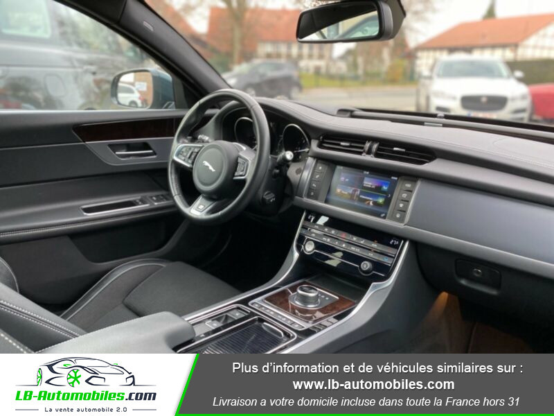 Jaguar XF V6 3.0 D - 300 ch Vert occasion à Beaupuy - photo n°5
