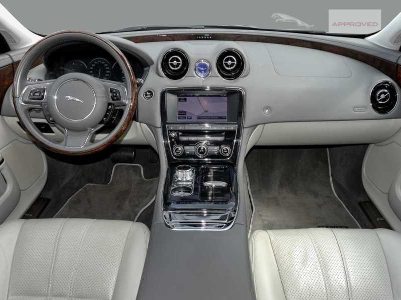 Jaguar XJ 3.0 AWD 340 ch Gris occasion à Beaupuy - photo n°2