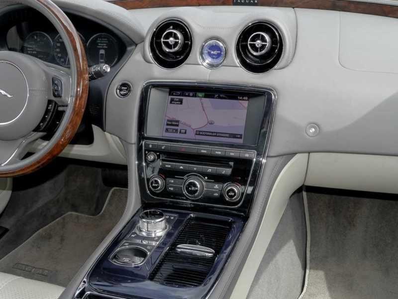 Jaguar XJ 3.0 AWD 340 ch Gris occasion à Beaupuy - photo n°6